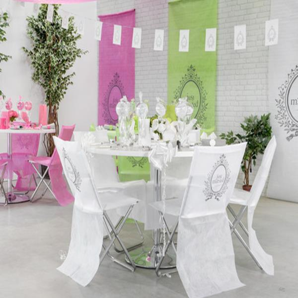 stuhlhussen f r die hochzeit kaufen in den farben wei pink oder gr n. Black Bedroom Furniture Sets. Home Design Ideas